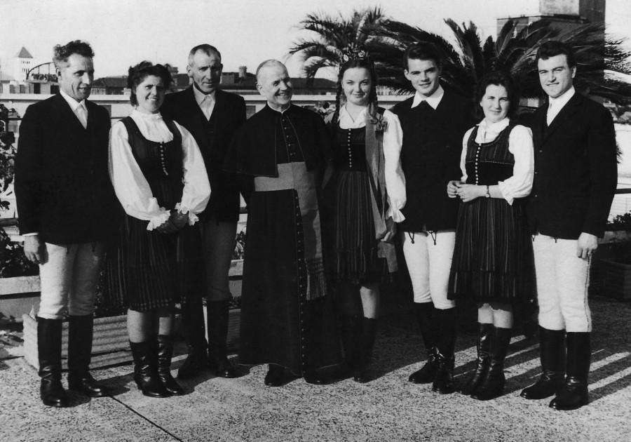 6_Roma_Germanicum_tetejen_csoportkep_rokonok