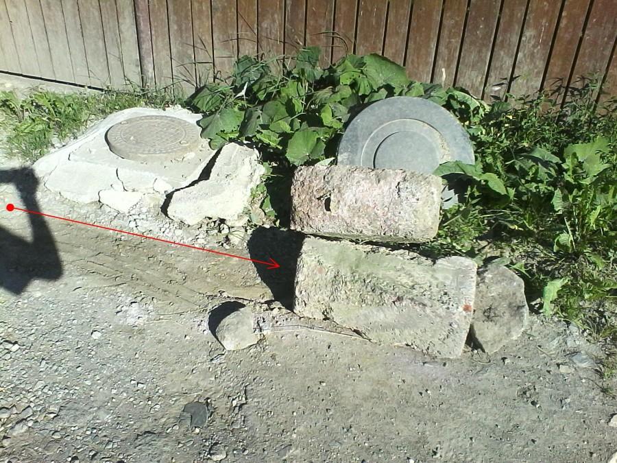 betontomb-eltaszitva